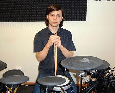 преподаватель ударных инструментов